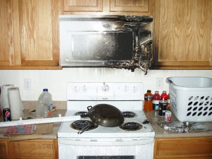 Grease fire erupts after homeowner leaves pot unattended on stove