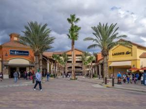 Palm Desert's Rodeo Drive of the Desert aka El Paseo Shopping District - Ralph Lauren